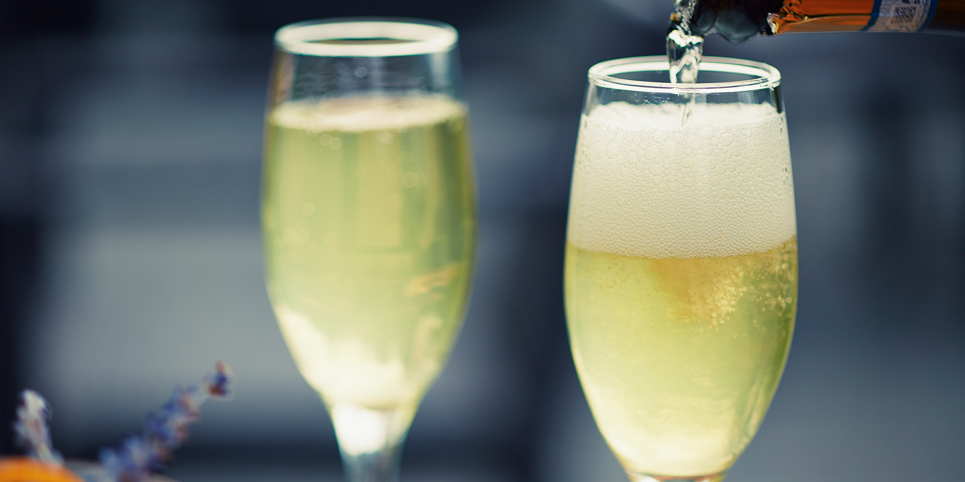 Free flowing prosecco